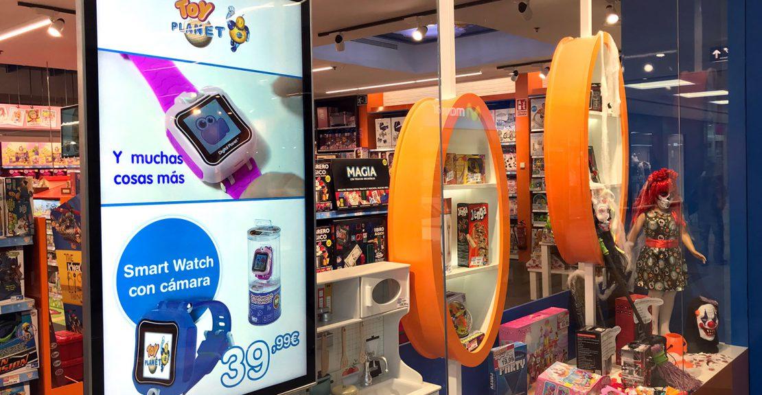 Deneva digitaliza las tiendas de Toy Planet