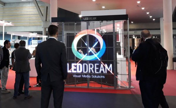 Instalacion-de-Led-Dream-en-Graphispag-2019-