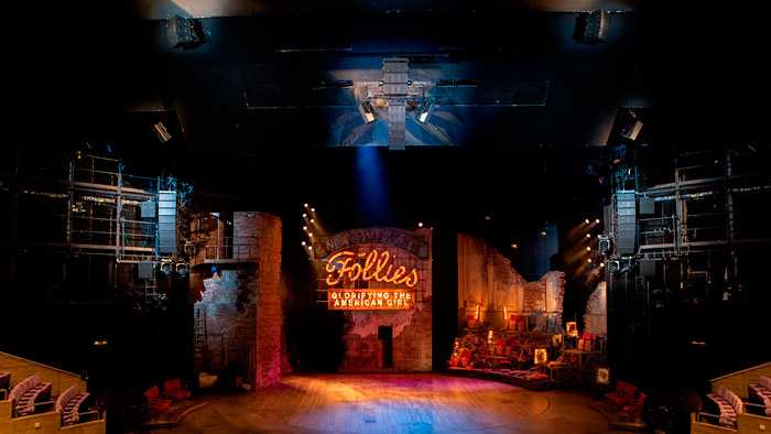 "Montaje de sonido del espectáculo ""Follies"" del National Theatre de Londres. Foto: Ellie Kurttz"