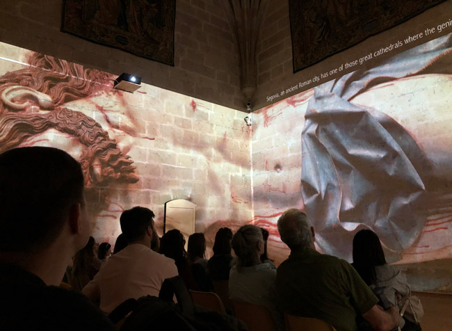 Video mapping instalado en la Catedral de Segovia
