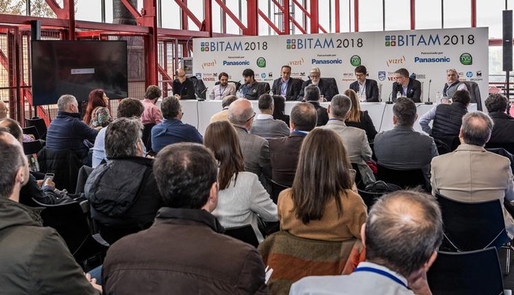 Diferentes ponentes en una de las conferencias de Bitam Show 2018