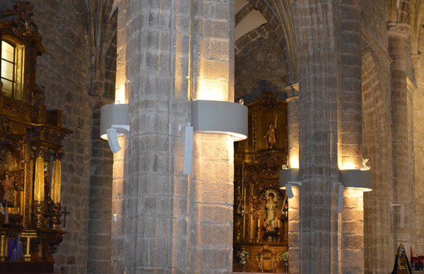 Detalle de los dispositivos Adam Hall instalados en Basílica de la Asunción de Nuestra Señora
