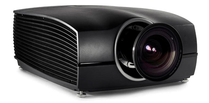 Imagen frontal del proyector Barco F90 4K13