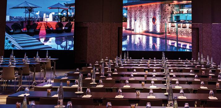 Zona de conferencias integrada por instronic en Hotel Catalonia