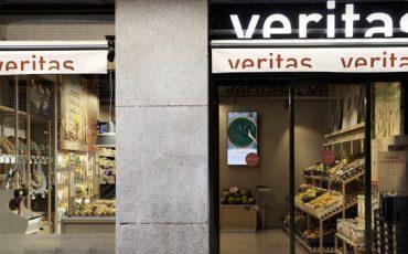 Supermercados-Veritas-con-pantallas-con-tecnologia-netipbox