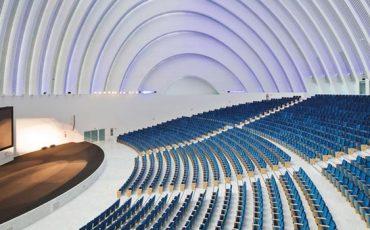 Auditorio-del-Palacio-de-congreso-y-exposiciones-de-Oviedo-integrado-por-Mediacom-95