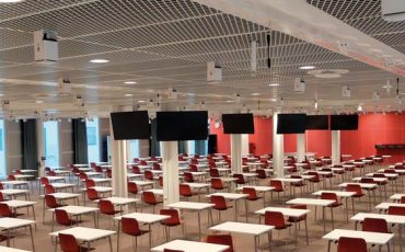 Aula-de-Instituto-Karolinska-con-sonido-Meyer-Sound
