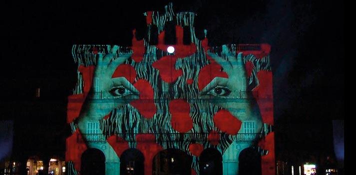 Festival Luz y Vanguardias de Salamanca desde la fachada del Ayuntamiento