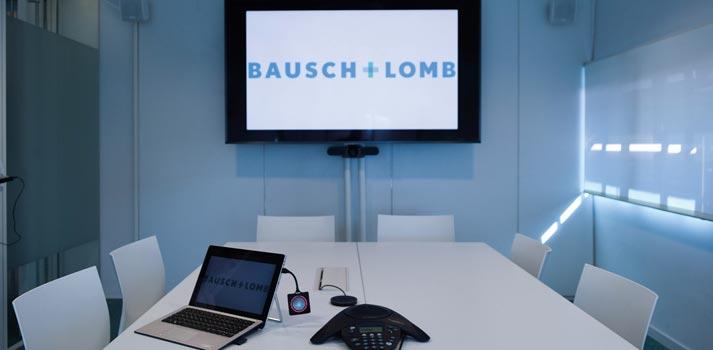Integración de la zona de conferencias en Bausch Lomb creada por Mediacom 95