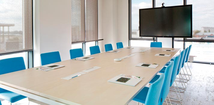 Espacio de reuniones en un ámbito corporativo
