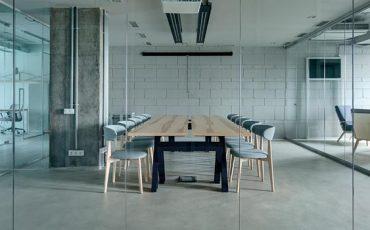 Sala-de-conferencias-en-una-oficina