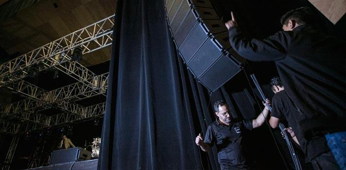 Instalación del Showmatch DeltaQ de Bose Profesional en el Auditorio Blackberry