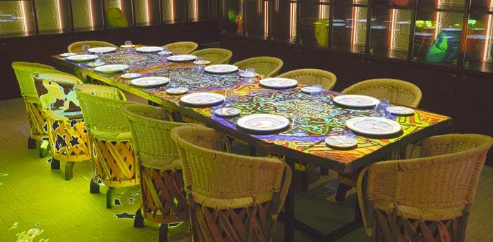 Table mapping con projectores de Digital Projection implementados por Meshico Group