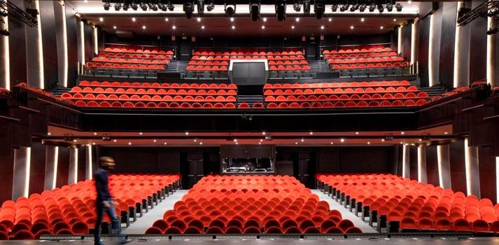 Butacas y escenario del nuevo Teatro del Soho de Málaga, impulsado por el actor y empresario Antonio Banderas