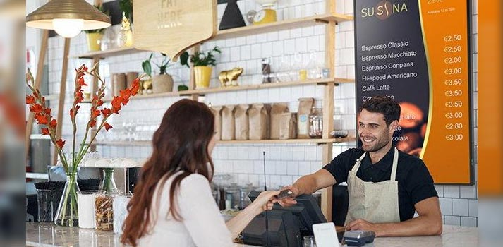 Serie Message de NEC Display en funcionamiento en una cafetería