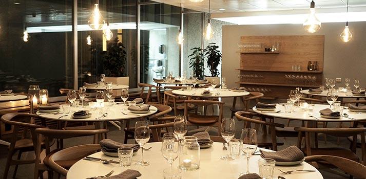 Sala del restaurante Ostehuset de Noruega