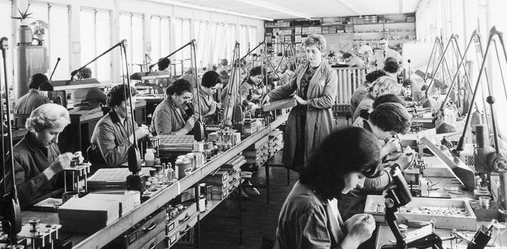 Trabajadoras de Sennheiser en los años 40/50