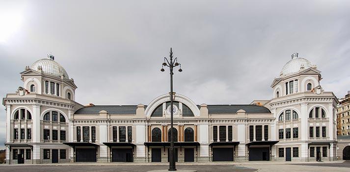 Fachada del remodelado teatro madrileño Gran Teatro Bankia Príncipe Pío