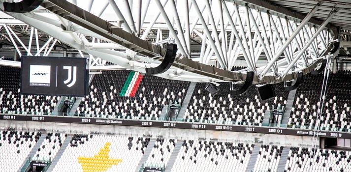 Interior del estadio Allianz Arena de la Juventus FC con equipos de sonido de Bose Profesional