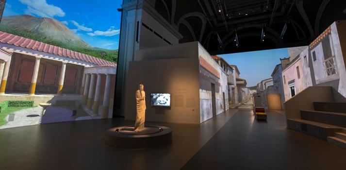 vue de l'exposition Pompéi 2 scénographie sylvain Roca © Rmn-Grand Palais / Photo Didier Plowy