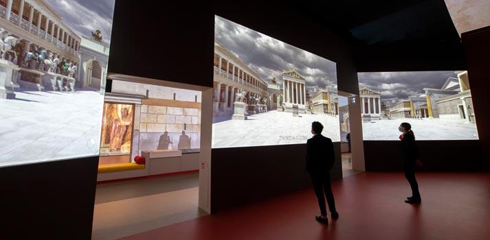 vue de l'exposition Pompéi 7 scénographie sylvain Roca © Rmn-Grand Palais / Photo Didier Plowy