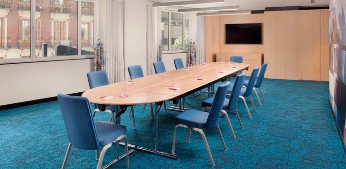 Sala de reuniones ubicada en el Hotel Aloft de Madrid