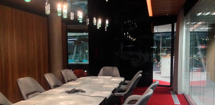 Una de las salas de reuniones del edificio de Coca-Cola en España, integrada por Smart Business