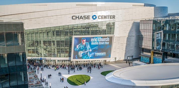 Pantalla exterior de grandes dimensiones - Chase Center (San Francisco)