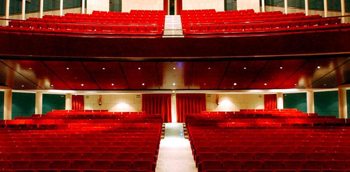 Los teatros López de Ayala de Badajoz y el Gran Teatro de Cáceres renuevan su equipamiento técnico