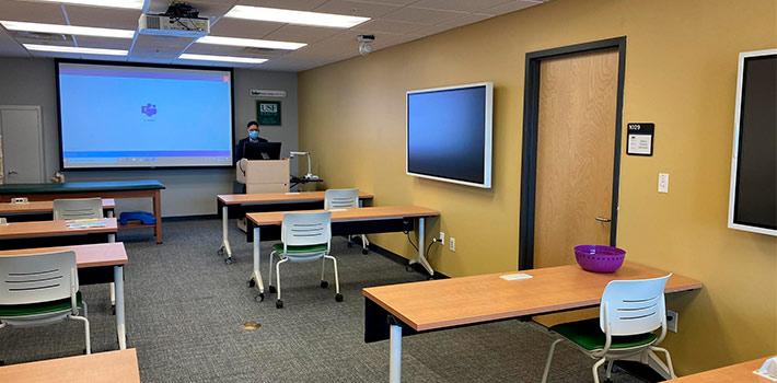La Universidad del Sur de Florida instala equipos Sennheiser TCC 2 para potenciar las clases online