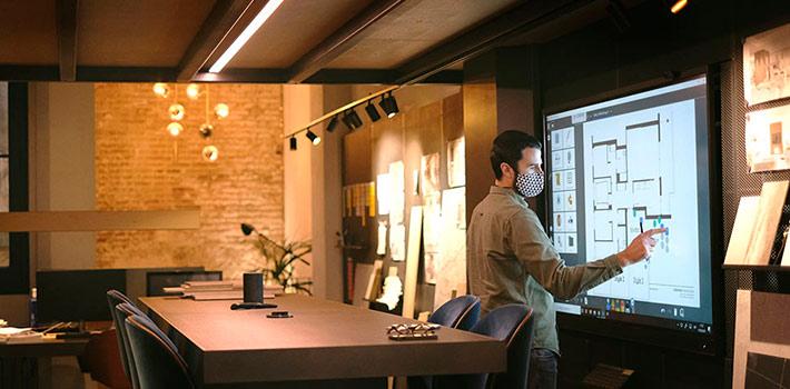 El estudio de interiorismo Coblonal incorpora el monitor Clevertouch y la pizarra Linx a sus instalaciones